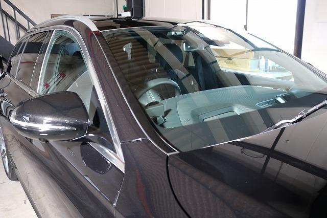 メルセデスベンツE300にウィンドウコート施工後 フロントガラスの画像