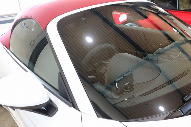 ポルシェボクスターにカーコーティング施工後 ウィンドウ画像