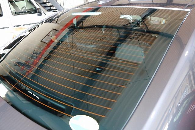 BMW3 カーコーティング ウィンドコーティング施工後 リアガラス画像