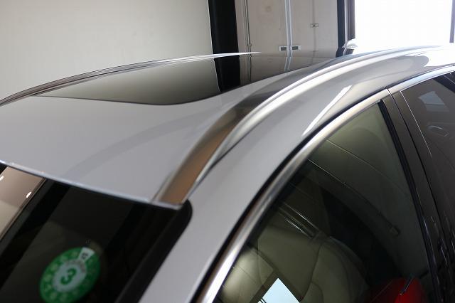 ボルボXC60にガラスルーフコーティング施工後 ガラスルーフ画像