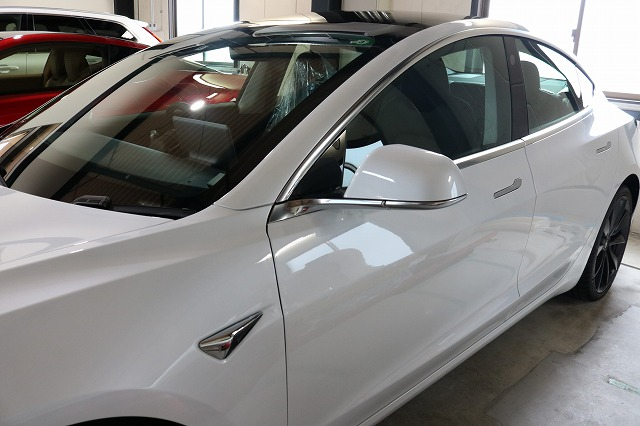 テスラモデル3へカーコーティング施工後 サイド画像