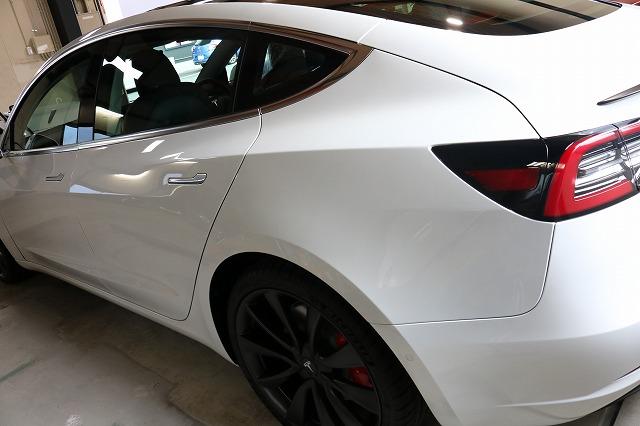 テスラモデル3へカーコーティング施工後 リアサイド画像