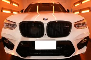 BMWX3 ファインラボヒールライト コーティング画像