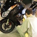 千葉県船橋市よりご来店のHondaフォルツァにバイクコーティング「Ceramic×CR-1コーティング」を施工しました。