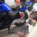 神奈川県よりご来店のCB400スーフォアにバイクコーティングを施工しました。