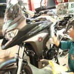 千葉県からお越しのホンダVFR800Xにセラミックプロ9H×CR-1バイクコーティングを施工させていただきました。