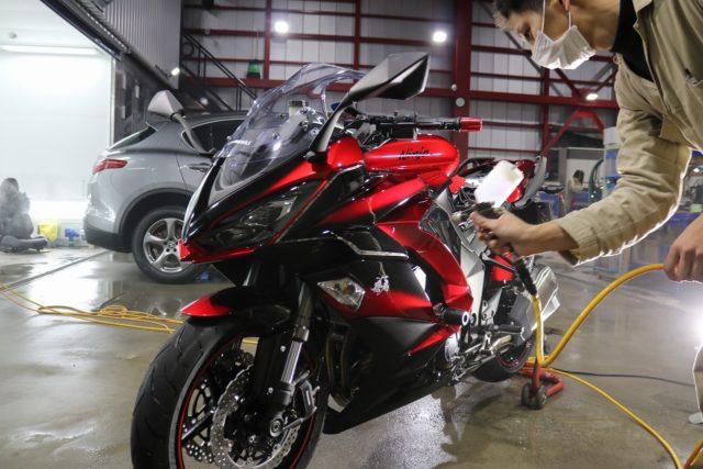 東京都大田区からお越しの新車Kawasakiニンジャ1000に驚異の被膜硬度セラミックプロ9H5層バイクコートを施工しました。