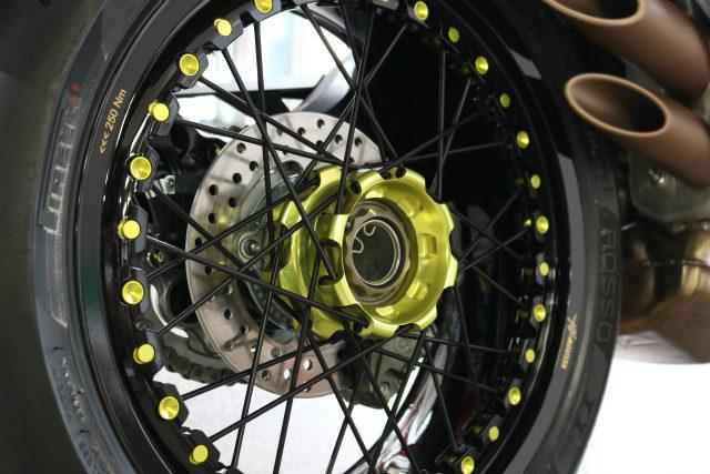 CeramicPro9H バイクコーティング